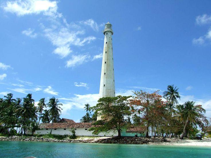 Mercu Suar Pulau Lengkuas - Punya Indonesia