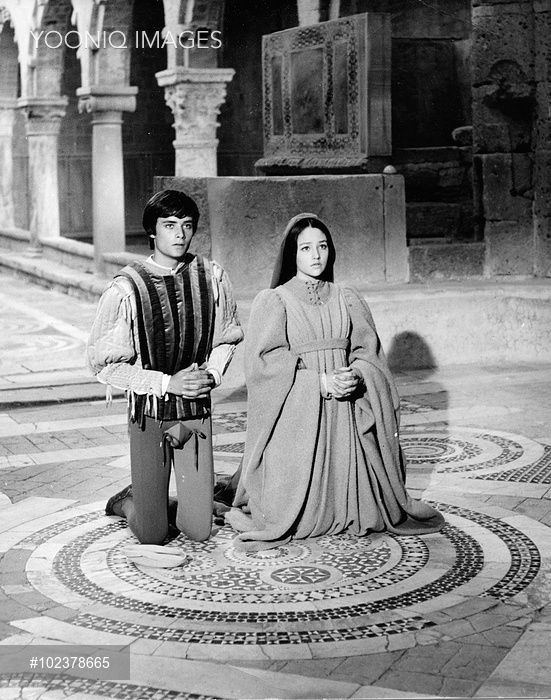 ROMEO AND JULIET LEONARD WHITING as Romeo, OLIVIA HUSSEY as Juliet ...