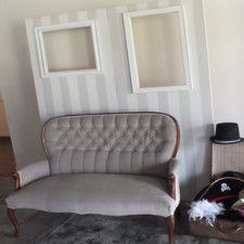 Photobooth wall, couch, props - Quirky Parties