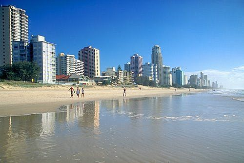 Waterfront apartments in Surfers Paradise and Broadbeach-Gold Cost