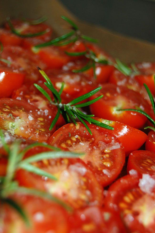 Ovntørrede tomater ala soltørrede tomater - Opskrift