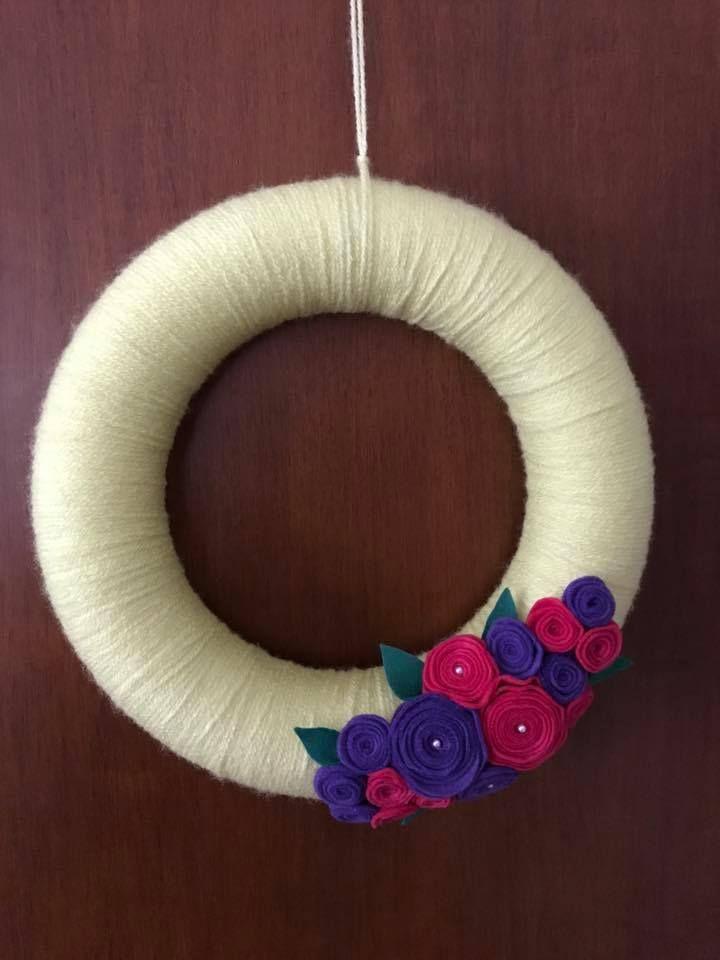 Yarn Wreath with felt roses. Handmade Door Decoration.