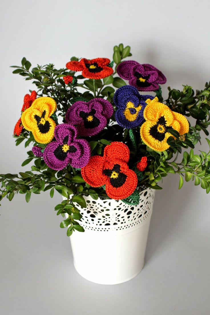 my crochet pansies bouquet