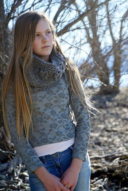 Ravelry: Aria Textured Cowl - Hc24 pattern by Lisa Craig