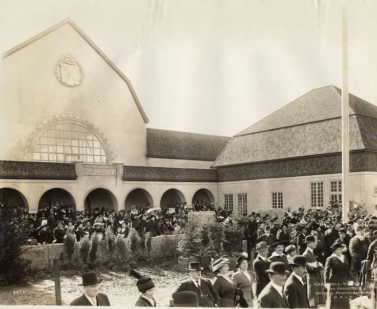 Dedication of Swedish Building at the Panama-Pacific International Exposition, 1915. San Francisco History Center, San Francisco Public Library.