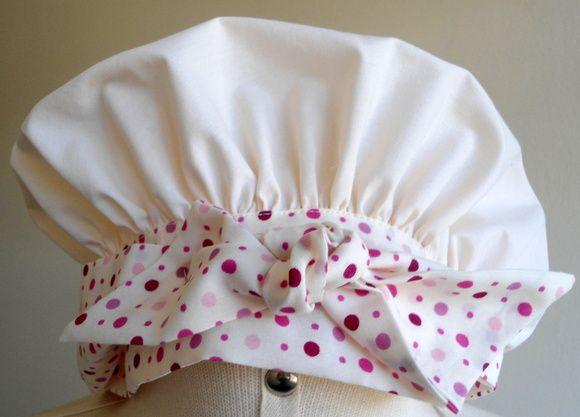 Touca cozinheiro  em tecido 100% algodão, tamanho único. Outras opções de tecido. Após o recebimento do seu pedido, avalie o nosso atendimento aqui na loja! A sua opinião é muito importante para nós.