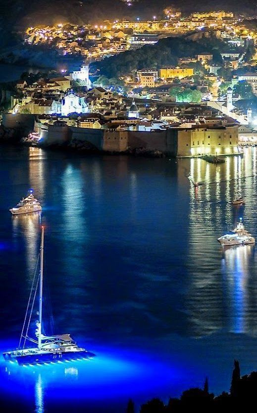 Dubrovnik - croatia A travel board about Dubrovnik Croatia. Includes things to do in Dubrovnik, Dubrovnik nightlife, Dubrovnik food, Dubrovnik tips and much more about what to do in Dubrovnik. -- Have a look at http://www.travelerguides.net #Nightlifetravel