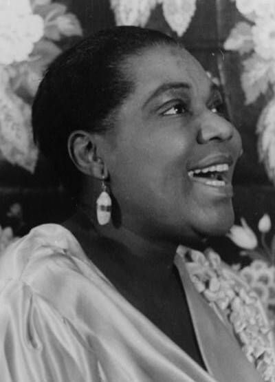 a biography of bessie smith an american blues singer Unlimited free bessie smith music - click to play do your duty, trombone cholly and whatever else you want bessie smith (april 15, 1894 – september 26, 1937) was an american blues singer.