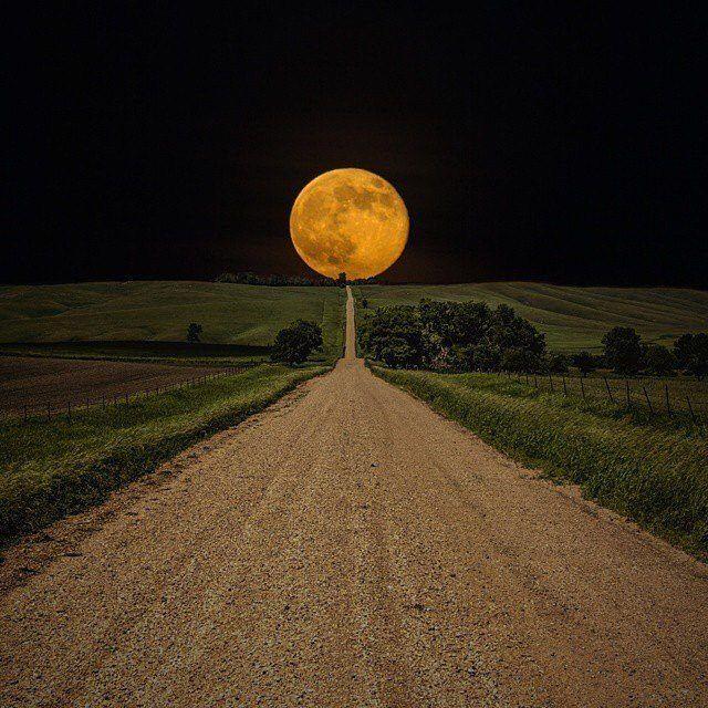 Pour la Lune, c'est tout droit