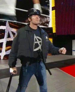 El Oficial de Policía Dean Ambrose llego <3