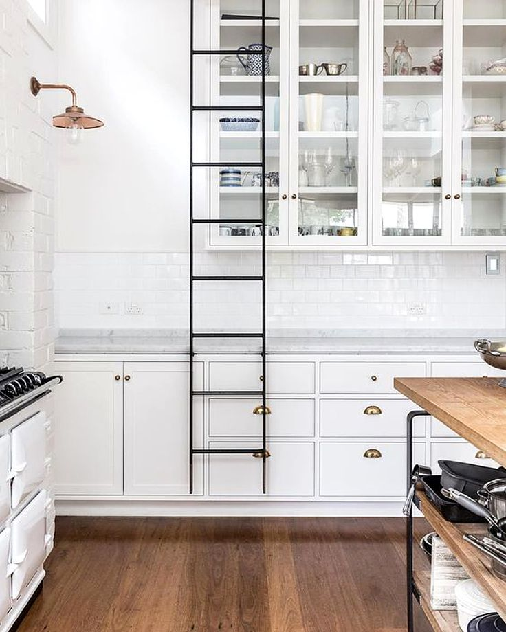 The Kitchen In This Renovated 1893 Edwardian House Sydneys Neutral Bay Is Such Great Space White Black A Combination Of Country