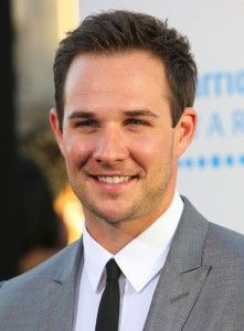 Ryan Merriman Hairstyle, Makeup, Suits, Shoes and Perfume - http://www.celebhairdo.com/ryan-merriman-hairstyle-makeup-suits-shoes-and-perfume/