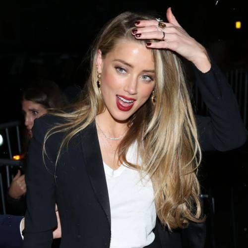 """Amber Heard """"manipulatrice"""" : L'actrice dézinguée par une star hollywoodienne !"""