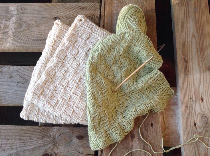 Strikkene små håndklæder