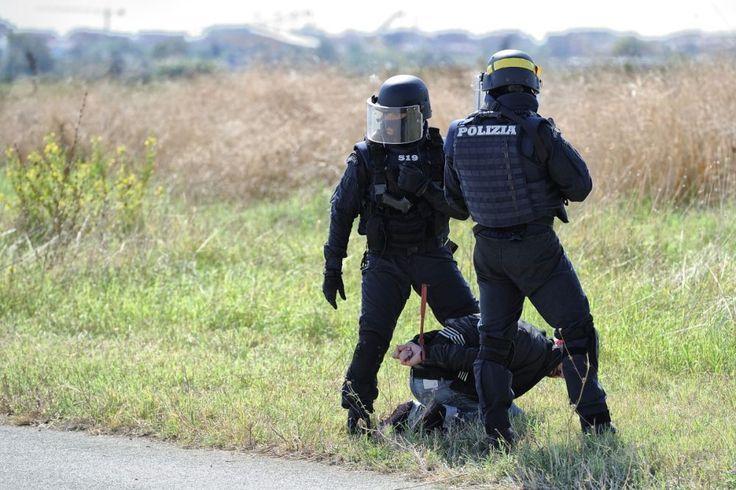 Italian Police Polizia (1000×667)