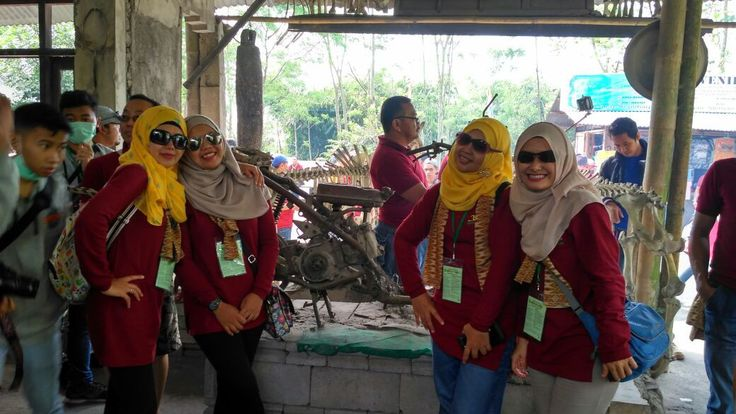 Paket Wisata Jogja 2 Hari : Candi Borobudur - Lava Jeep Merapi - Goa Pindul Tour