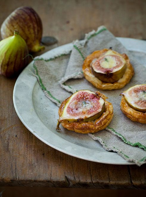 Fig & blue cheese tarts