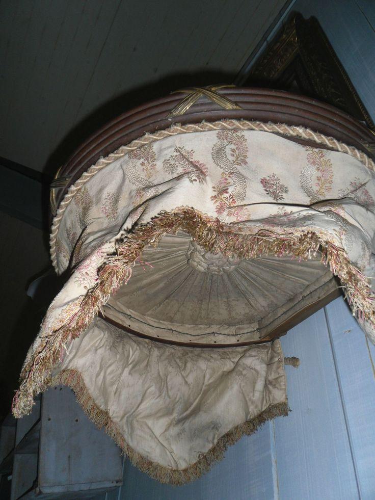 254 best images about ciel de lit on pinterest louis xvi antiques and french. Black Bedroom Furniture Sets. Home Design Ideas