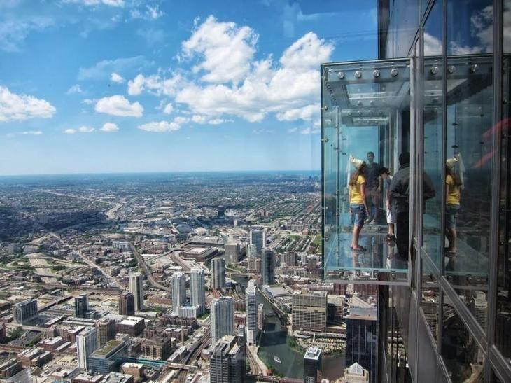 Стеклянные кубики на небоскребе Уиллис (Сирс) Тауэр, Чикаго