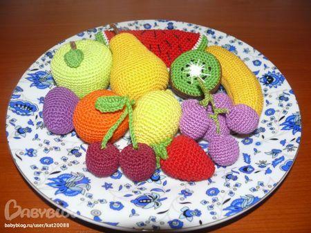 Вяжем крючком Еще фрукты, связала в подарок мастер класс