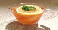Le médecin américain populaire et digne de confiance, le docteur Oz a prouvé à plusieures occasions les avantages de détoxification du thé vert, donc ce n'est pas une grosse surprise qu'il ait choisi le thé vert pour son ingrédient principal quand il a créé cette boisson de perte de poids. Il a mélangé du thé vert avec de la …
