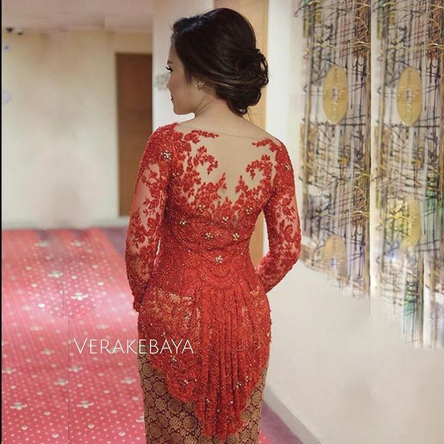 Instagram photo by verakebaya - @nisyanatasha ...❤ #backdetail  ___ Dress by me  ___ #kebaya #partydress #backdetails #eveningdress #batik