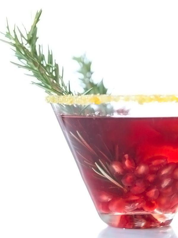 I think Imay need to make this Pomegranate Martini tonight. Thanks @foodiecrush