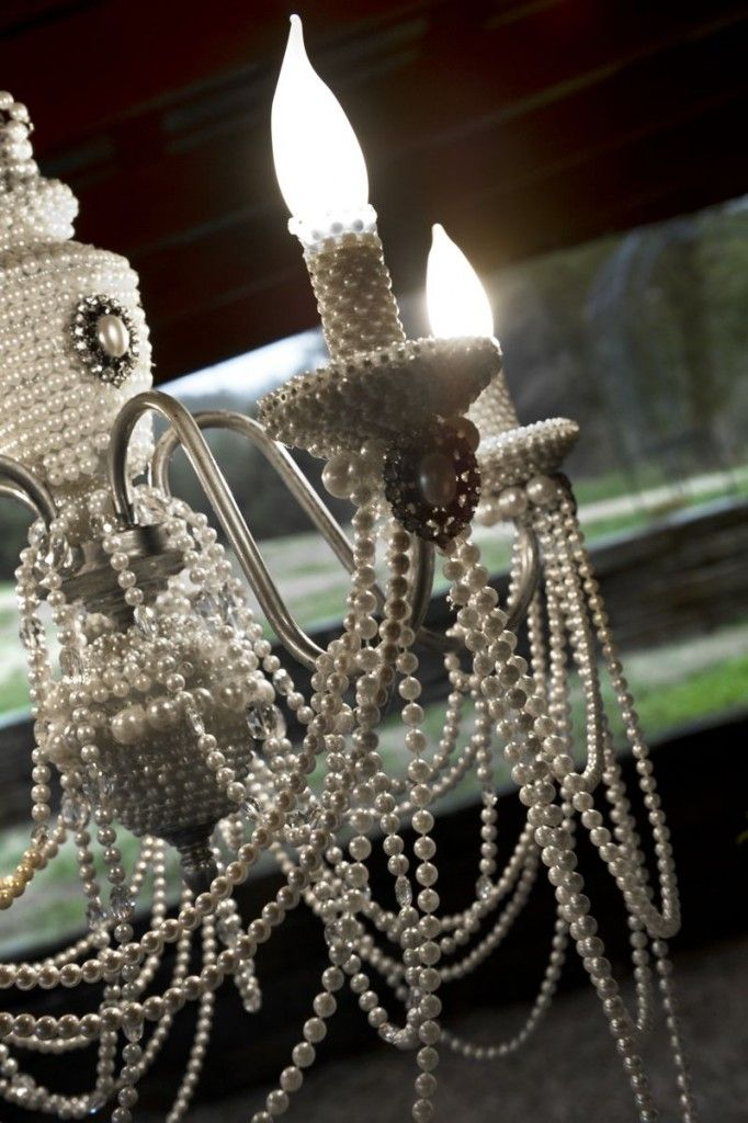Pearl chandelier | ACE Photography @cedarwoodwed