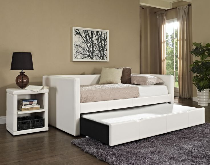 Standard Furniture Lindsey 2 Piece Twin Daybed Bedroom Set In White