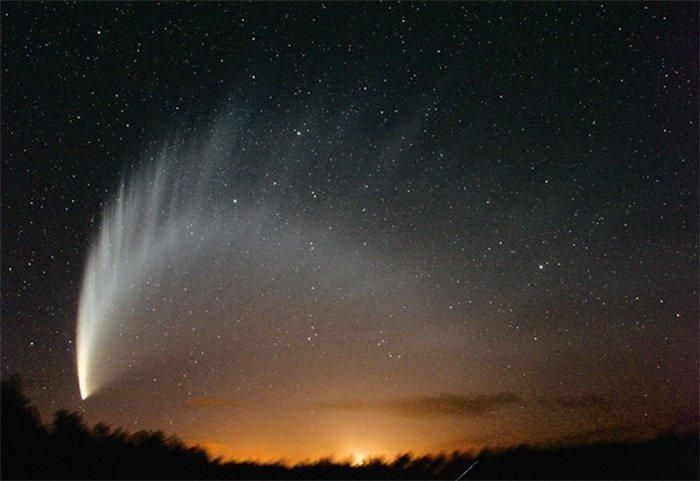 Комета МакНота в небе над Новой Зеландией National Geographic