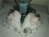 CUORI DI LINO  : cuori di lino color panna e con fiore fatto a mano di raso e chiffon rosa con perline