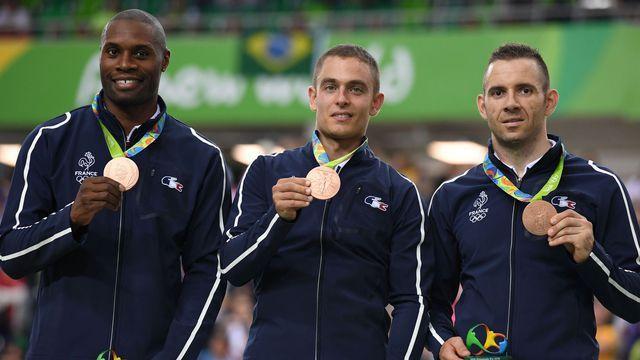 Les cyclistes Grégory Baugé, Michael D'Almeida et Francois Pervis, médaillés de…