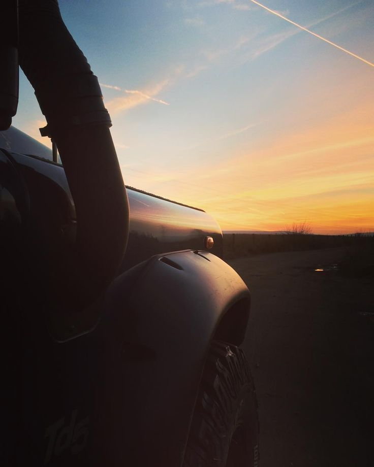 #lovely #sunset #tonight #countryside #sun #dusk #setting #landrover #defender #landroverdefender #defender90 #td5 #tyres #lifted #snorkel #offroad #machine #beast #cooperst #wheelarch #mod #carsofinstagram #photooftheday #photography #photographer by joshwilliamson #lovely #sunset #tonight #countryside #sun #dusk #setting #landrover #defender #landroverdefender #defender90 #td5 #tyres #lifted #snorkel #offroad #machine #beast #cooperst #wheelarch #mod #carsofinstagram #photooftheday…