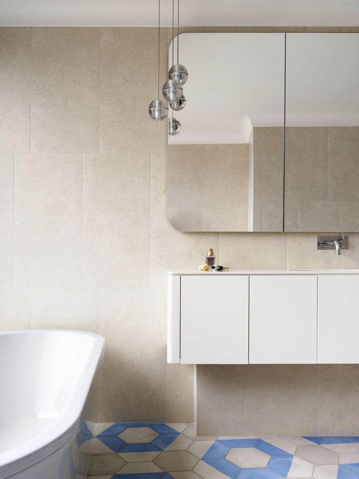 INTERIORS Alwill Interiors ARCHITECTURE Alwill Design  #bathroom #interiors #vanity #bathtub #neutral