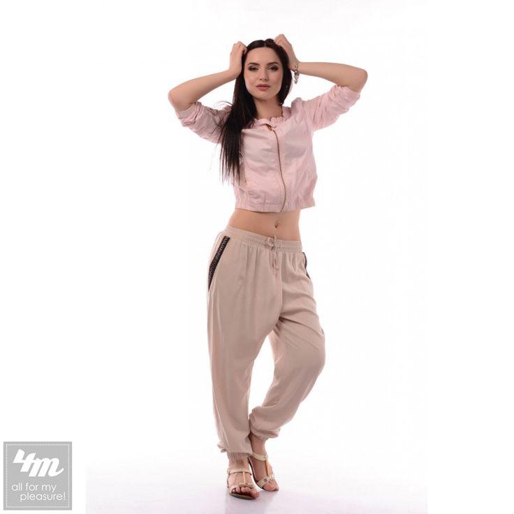 Штаны Tales «Yoga» (Бежевый) http://lnk.al/4uUb  Модные штаны в стиле кэжуал прийдутся по вкусу любительницам активного образа жизни. Свободный покрой и натуральная ткань делают эту модель незаменимой для летней жаркой погоды. Карманы штанов декорированы красивой нашивкой. Пояс модели собран на резинку и снабжен шнурком.  #одежда #одежда2017 #одеждавналичии #одеждаотпроизводителя #одеждаукраина #одежданедорого #наряды #стильные #стильномодномолодежно #стильныйобраз #стильныештучки #стильное…