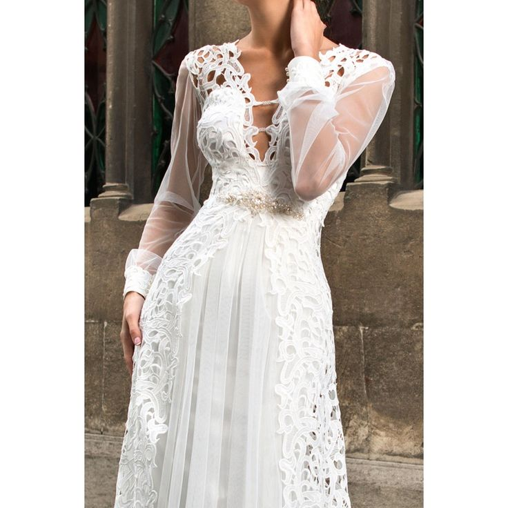 Luxusné dlhé svadobné šaty s dlhými rukávmi zdobené krajkou s perličkovým opaskom