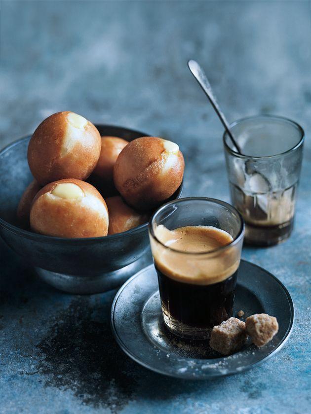 Fill these little custard doughnuts with milktart flavoured custard