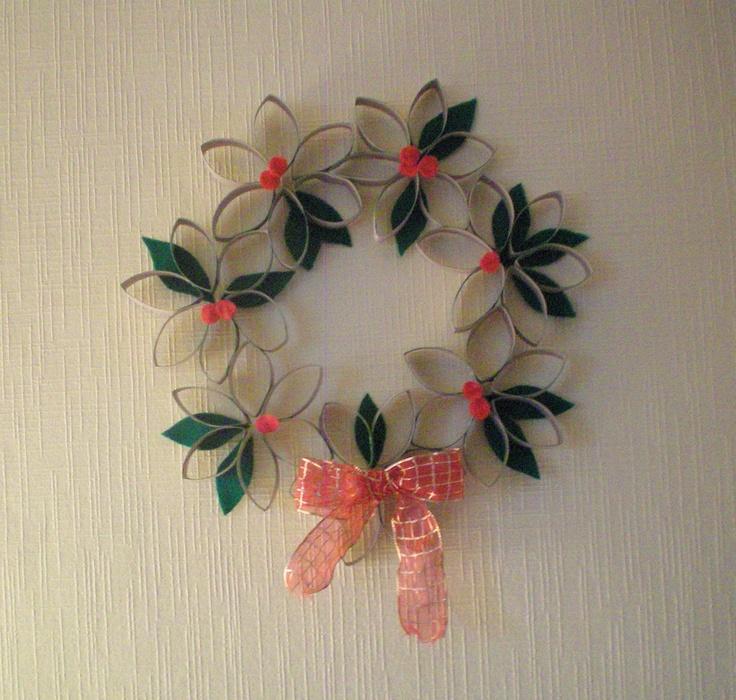 L'atelier-concours custo - La couronne de Noël : http://www.madmoizelle.com/atelier-concours-custo-couronne-noel-134346