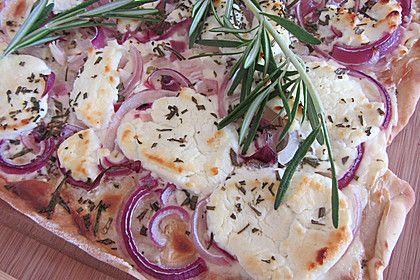 Flammkuchen mit Ziegenkäse, Rosmarin und Honig, ein gutes Rezept aus der Kategorie Vegetarisch. Bewertungen: 337. Durchschnitt: Ø 4,7.