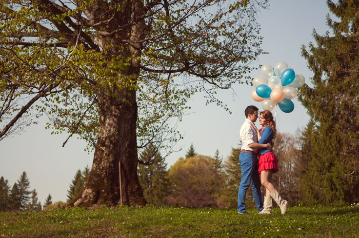 Sedinta foto de logodna cu baloane Balloons engagement photo session