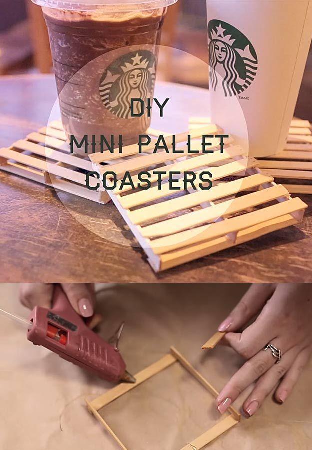 38 Unglaublich coole Dinge, die Sie mit einer Klebepistole machen können. Mini-Untersetzer, einfach selbst zu bauen und perfekt für ein gemütliches Zuhause am Strand. Schauen Sie sich dieses fantastische Tutorial an