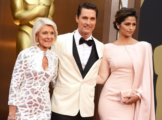 Matthew McConaughey wore a contrasting jacket and waistcoat for the ultimate tuxedo look #TuxedoWatch