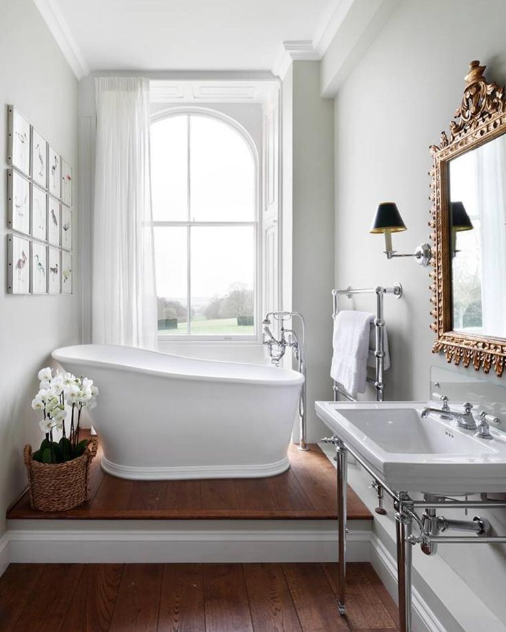 antique ambiance / classic white mood