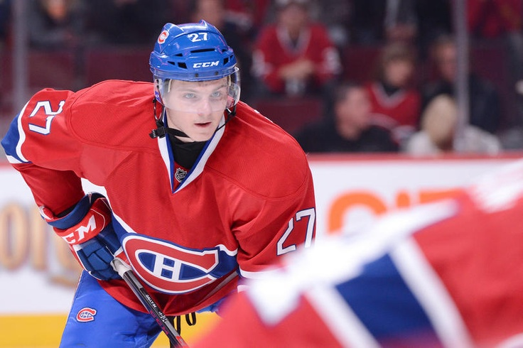 I love this hockey player, Alex Galchenyuk. Because it is a young hockey player. He played wit Eller and Galchenuck and it's a very good trio. He played for Montreal Canadian and it's my favorite team of the LNH.