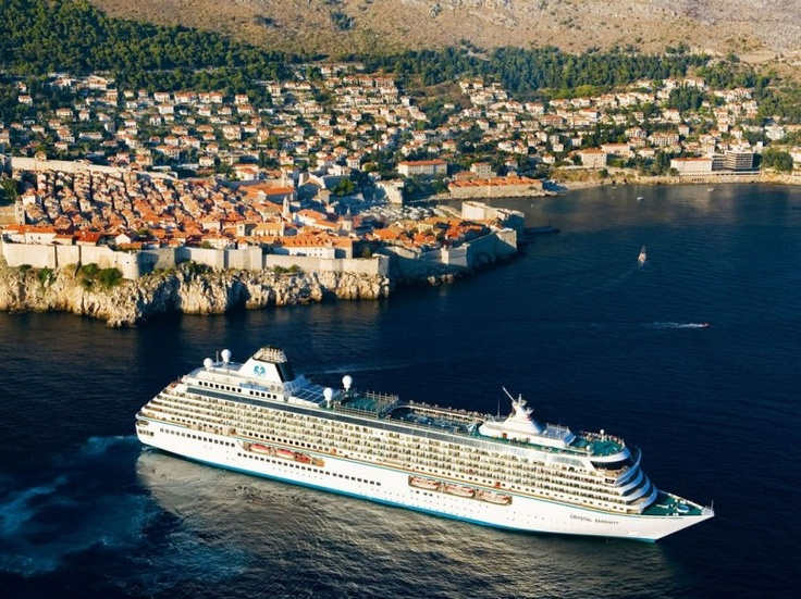 Photo Tours of the Top 20 Cruise Ships in the World