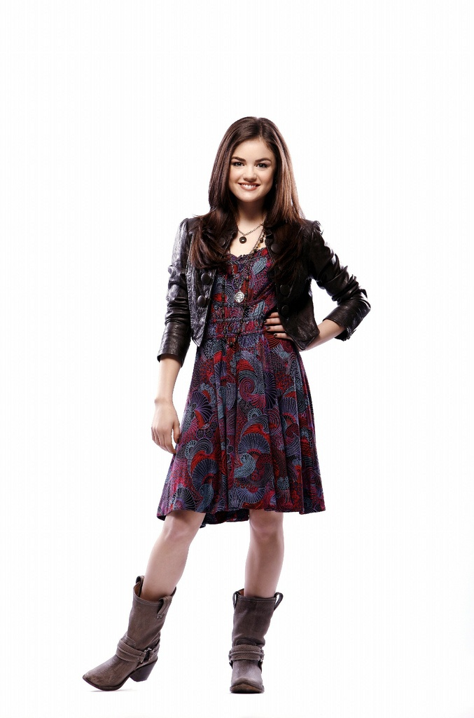 wikiHow to Copy Aria Montgomery's Style Without Spending Hardly Anything -- via wikiHow.com