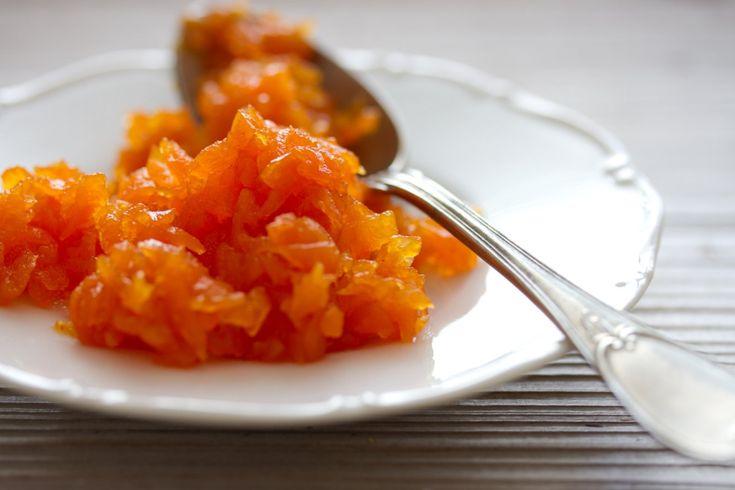 Iránská mrkvová marmeláda svodou zpomerančových květů
