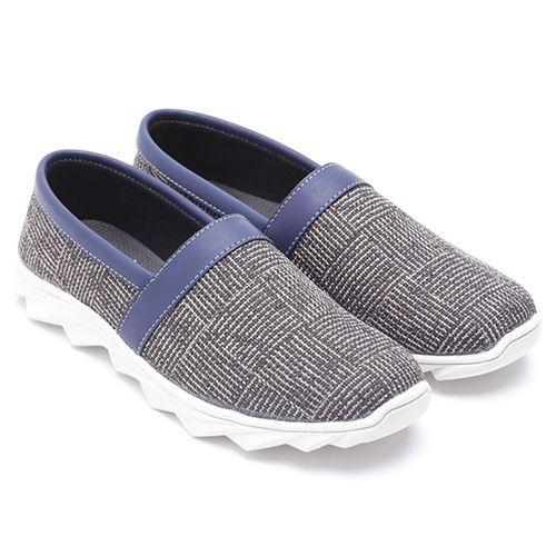Original Sepatu Dr.Kevin Minnesota - Hitam/Biru   Deskripsi :Sepatu Kasual, Warna Hitam/ Biru, Upper Kanvas, Sole TPR   Ketersediaan Size = 39, 40, 41, 42, 43   IDR 385.000