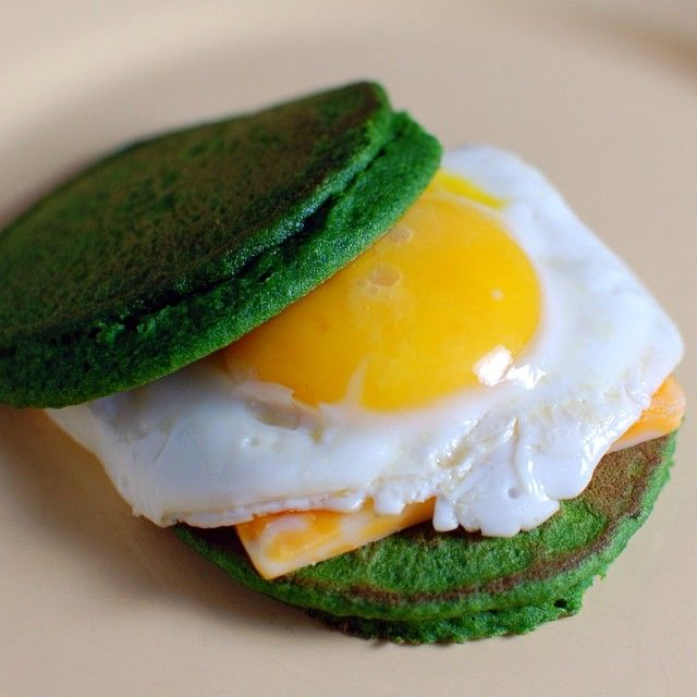 3 cups (handfuls) fresh spinach 3 eggs* 2/3 cup rice flour Pulse spinach and eggs in food processor until blended. Add flour and pulse until completely blended. *I have also used vegan egg substitutes – flax or chia egg, Ener-G Replacer. Spray griddle or pan, heat to medium high. These…