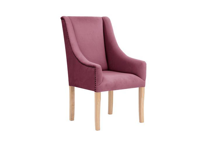 Krzesło Vanessa zachwyci swym pięknem i dopracowaniem wszystkich, którzy poszukują unikalnego stylu. Z jednej strony prostota wykonania, a z drugiej bogactwo i doskonałość wykończenia. Wymiary: Szerokość - 61 cm Głębokość - 70 cm Wysokość - 106cm Wys. siedziska- 50 cm
